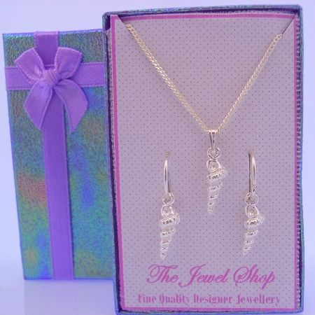 STERLING SILVER SEASHELL MATCHING NECKLACE & 12mm SLEEPER EARRINGS GORGEOUS SHIMMERING GIFT BOX
