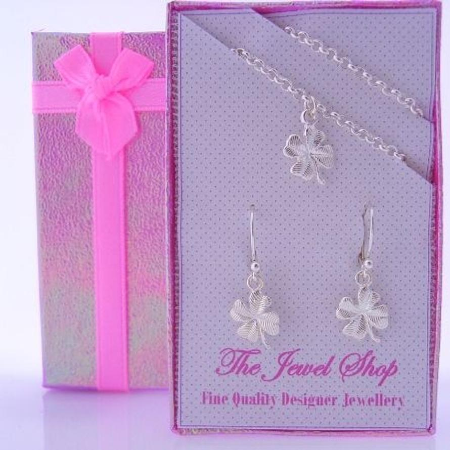 STERLING SILVER MATCHING FOUR LEAF CLOVER BRACELET CHARMS & EARRINGS GORGEOUS SHIMMERING GIFT BOX