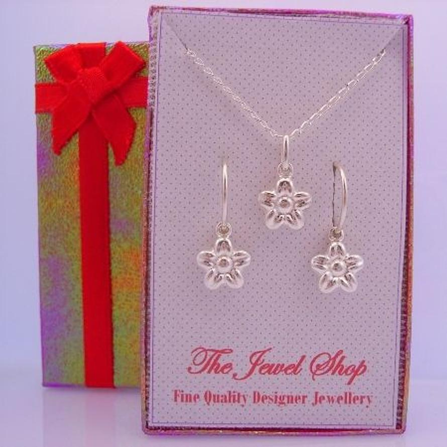 STERLING SILVER DAISY FLOWER MATCHING NECKLACE & EARRINGS GORGEOUS SHIMMERING GIFT BOX