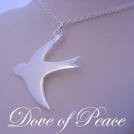 5g STERLING SILVER 26mm DOVE OF PEACE PENDANT NECKLACE