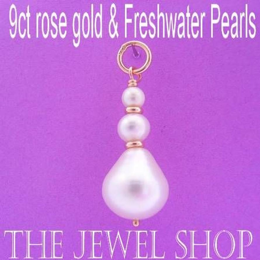 9CT ROSE GOLD NATURAL WHITE 3 FRESHWATER PEARL TEARDROP PENDANT