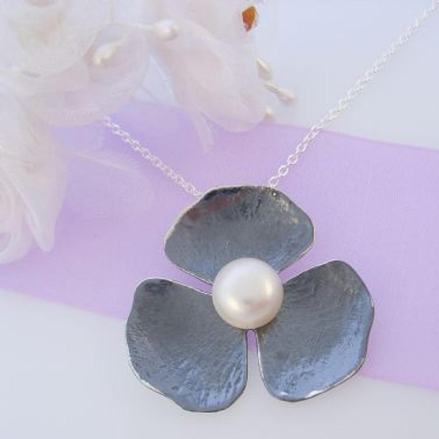 PASTICHE STERLING SILVER 34mm PEARL FLOWER NECKLACE
